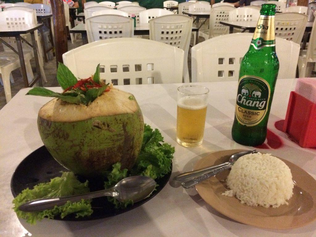 シーフードのカレー炒め in ココナッツ