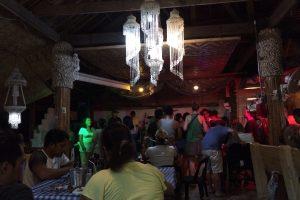 Blue Ice Bar & Restaurantのライブ演奏