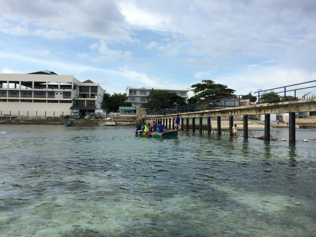 マクタン島ボート乗り場