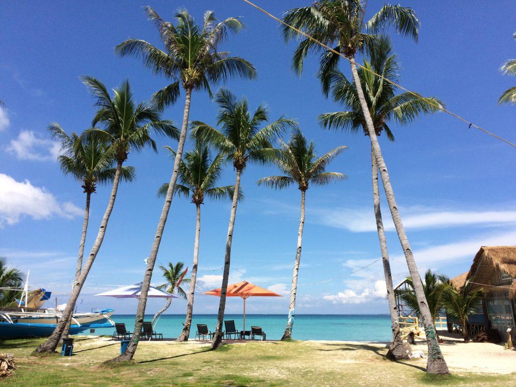 バンタヤン島のビーチリゾート