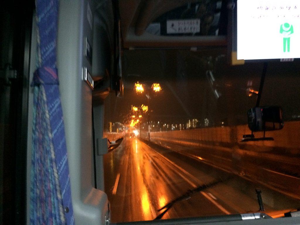 関空発のリムジンバスから見る夜景