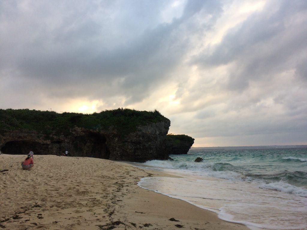 夕暮れ時の砂山ビーチ