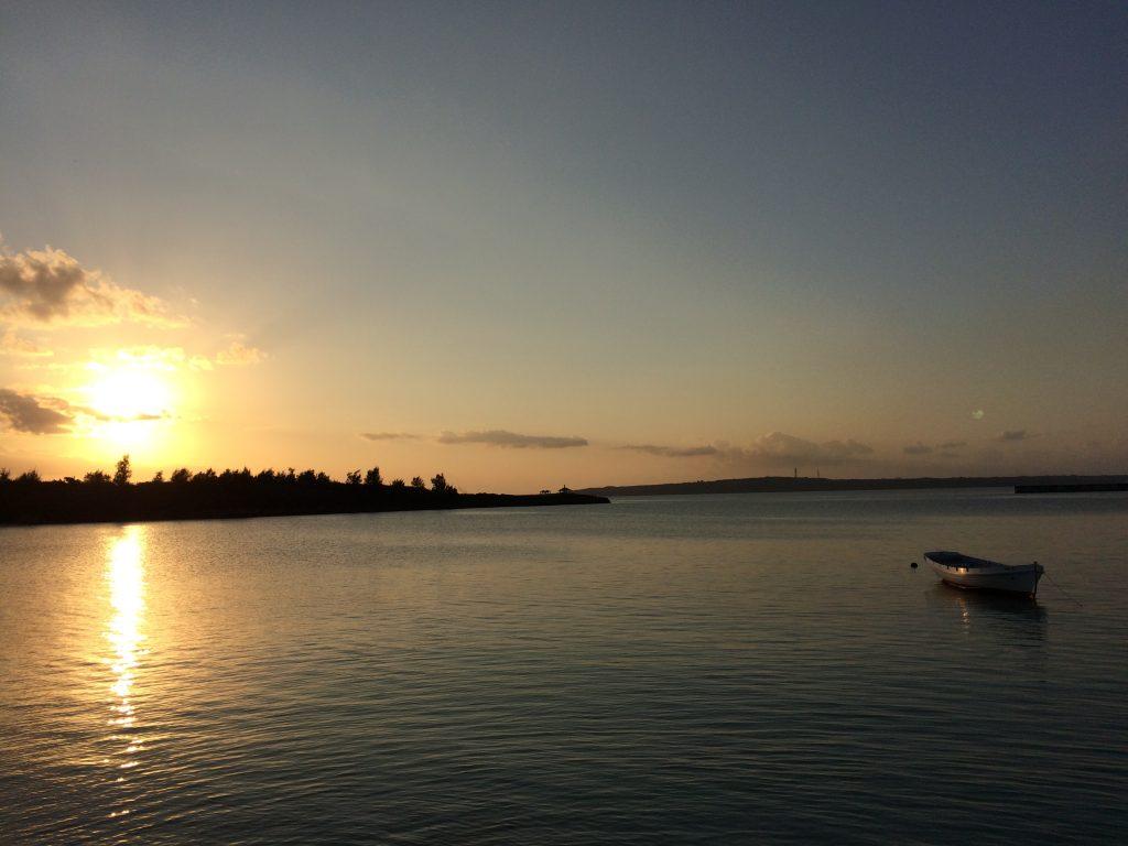 夕暮れ時のパイナガマビーチ