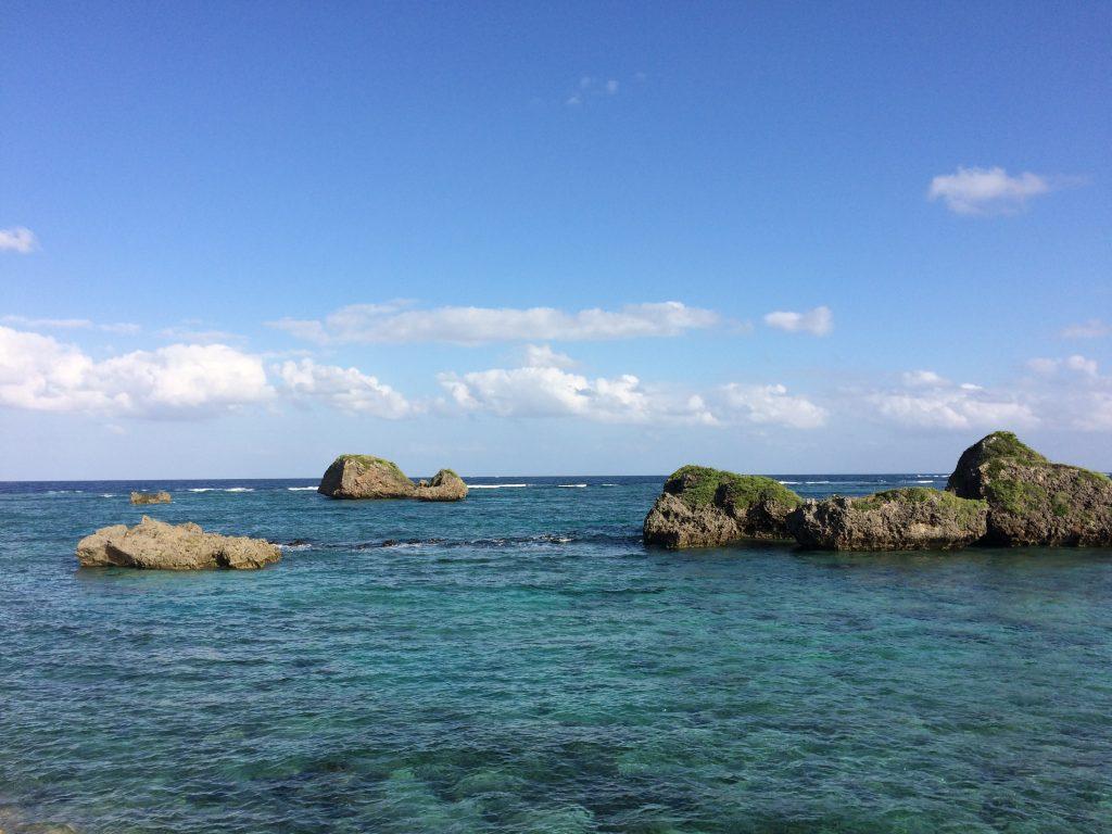 クジラ岩(東側外周道路)