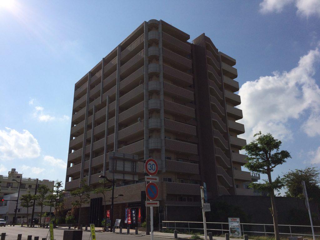 宮古島のウィークリーマンション「ラブニール」外観