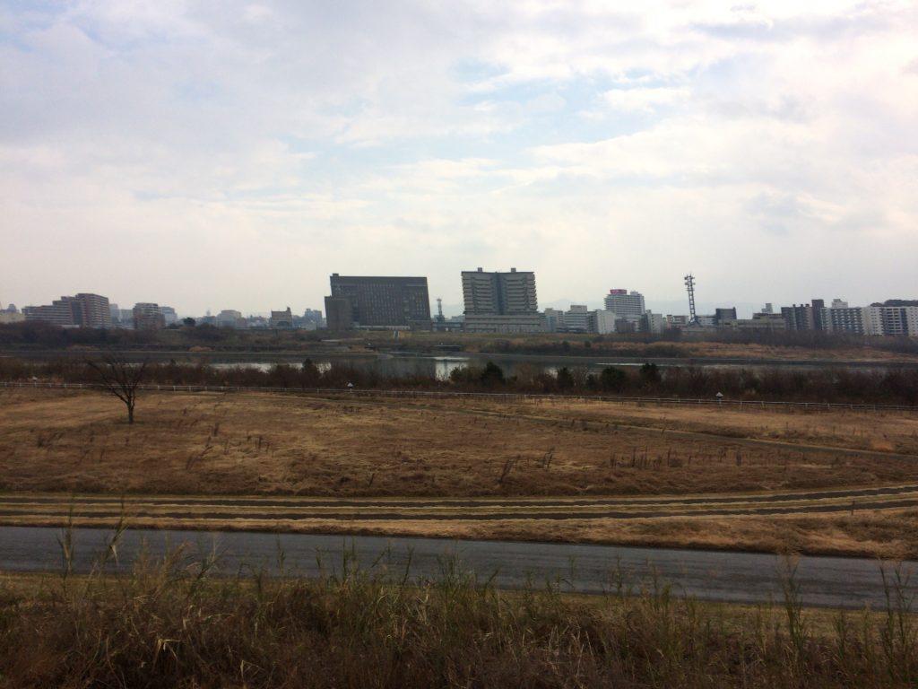 淀川沿いを北に進む