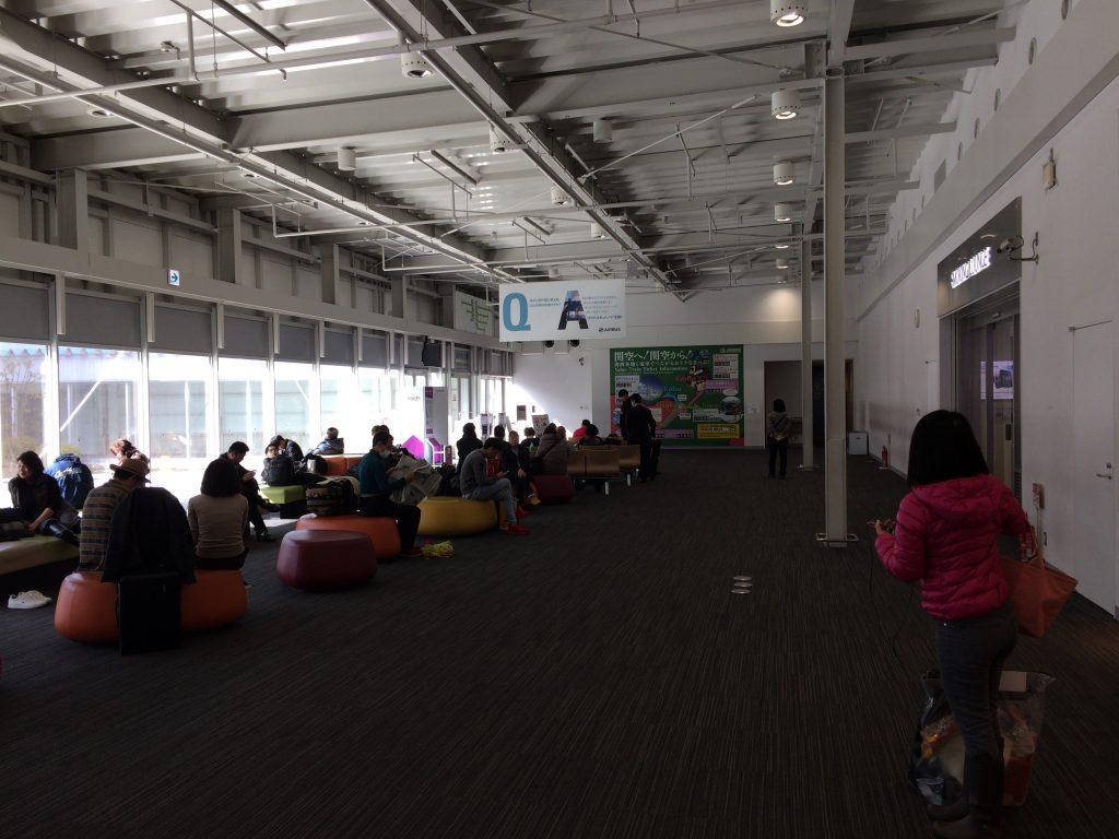 関空第2ターミナルの出発ロビー