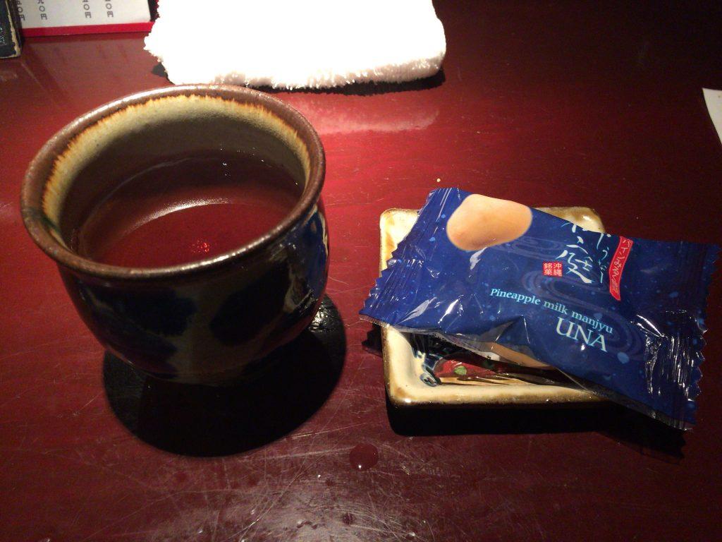 食後のお茶とお菓子