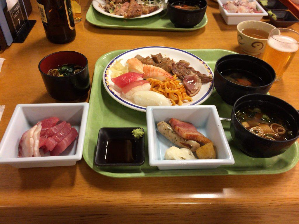 ホテル浦島の夕食(バイキング)