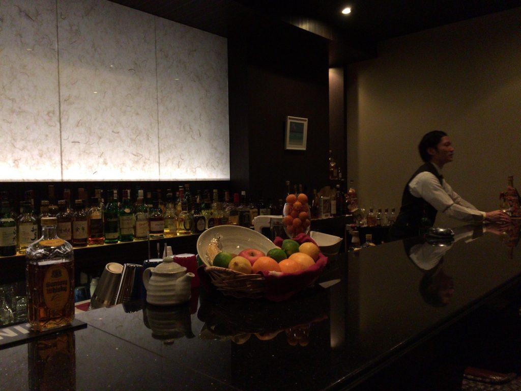 「Bar和香」カウンター