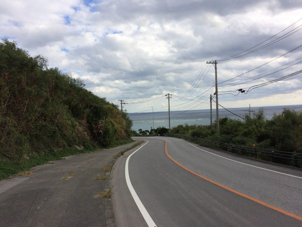 ウローカーへと続く道(国道331号線)