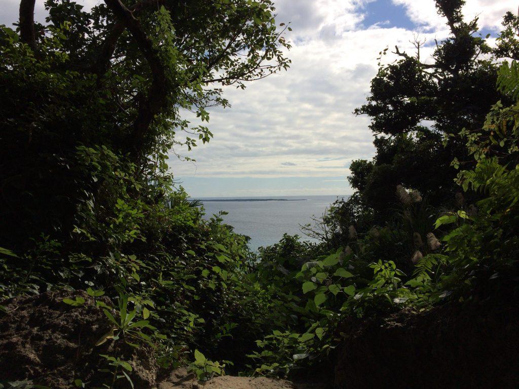 三庫理から望む久高島