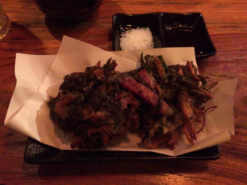 豚肉が入ったもずくの天ぷら
