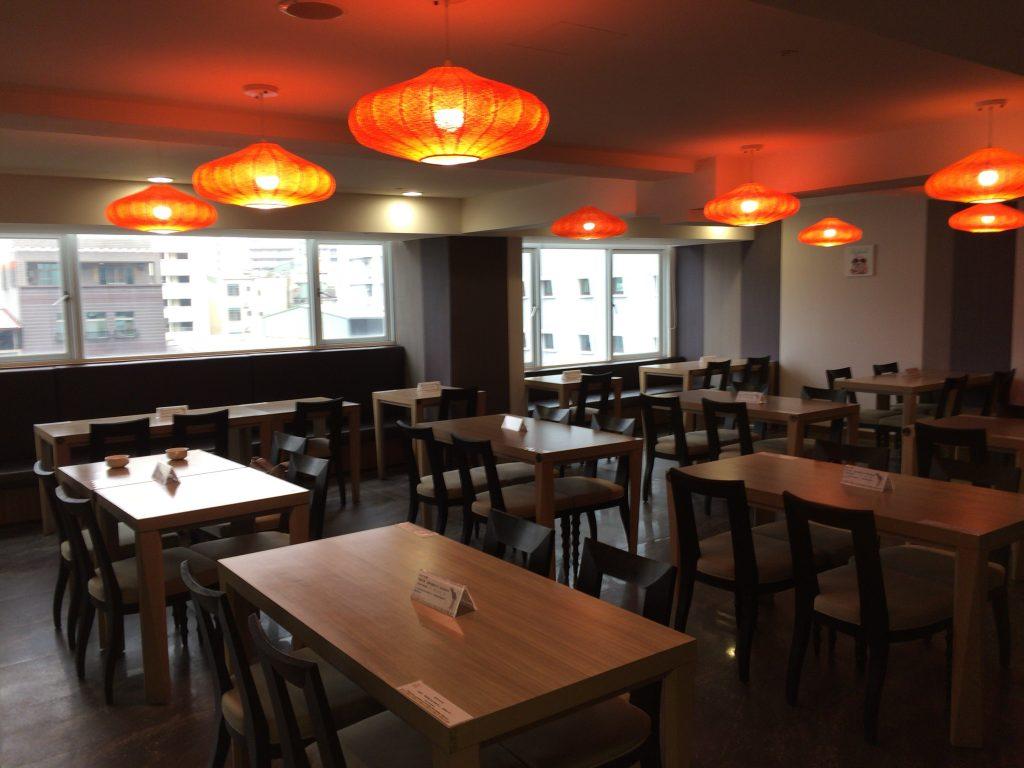 「バンブーホテル」のレストラン