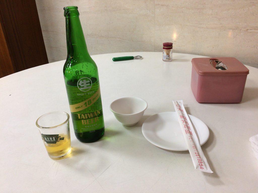 台湾ビール「18天台灣生啤酒」。美味しいのだが賞味期限が18日と短い