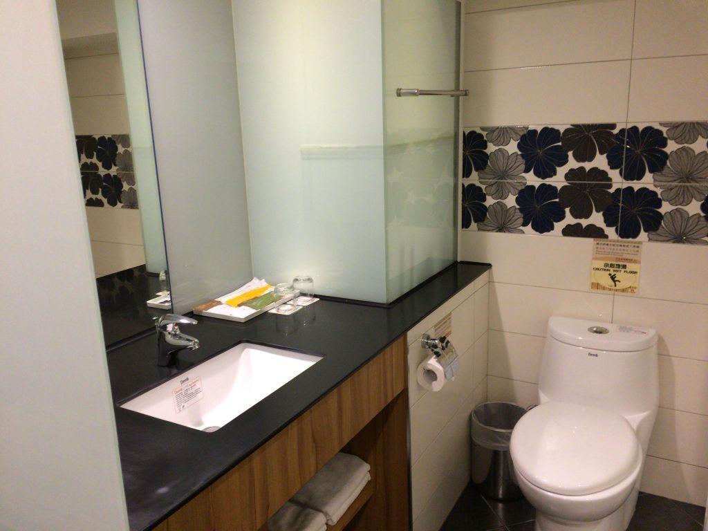 清潔なトイレ&シャワールーム