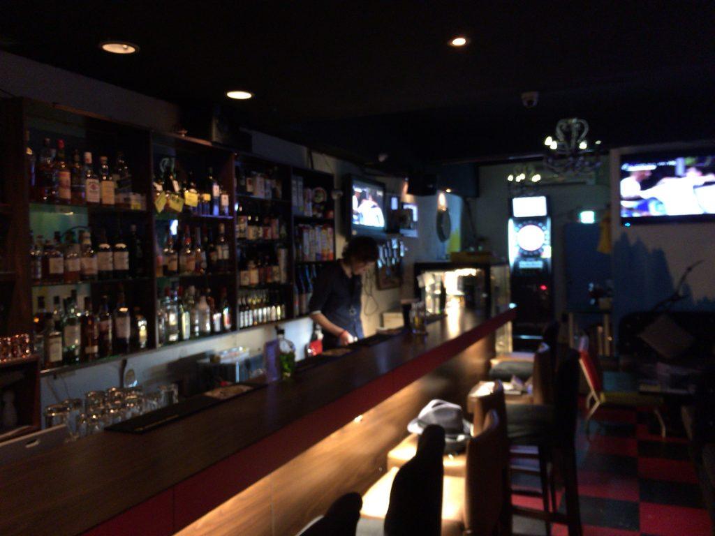 「台日交流Cafe&Bar KiseKi」のカウンター席