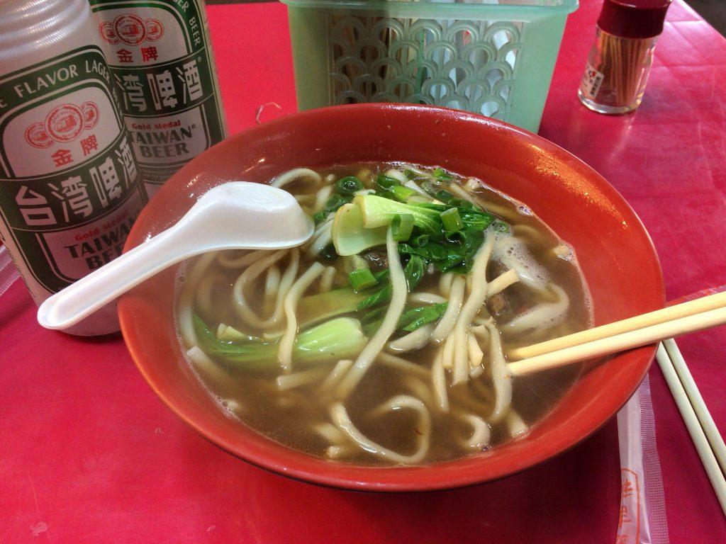 牛肉麺。サッパリとしたスープで食べやすい