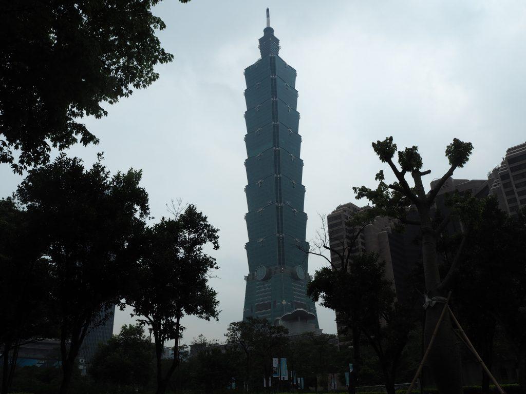台北101の外観。竹がモチーフになっているらしい