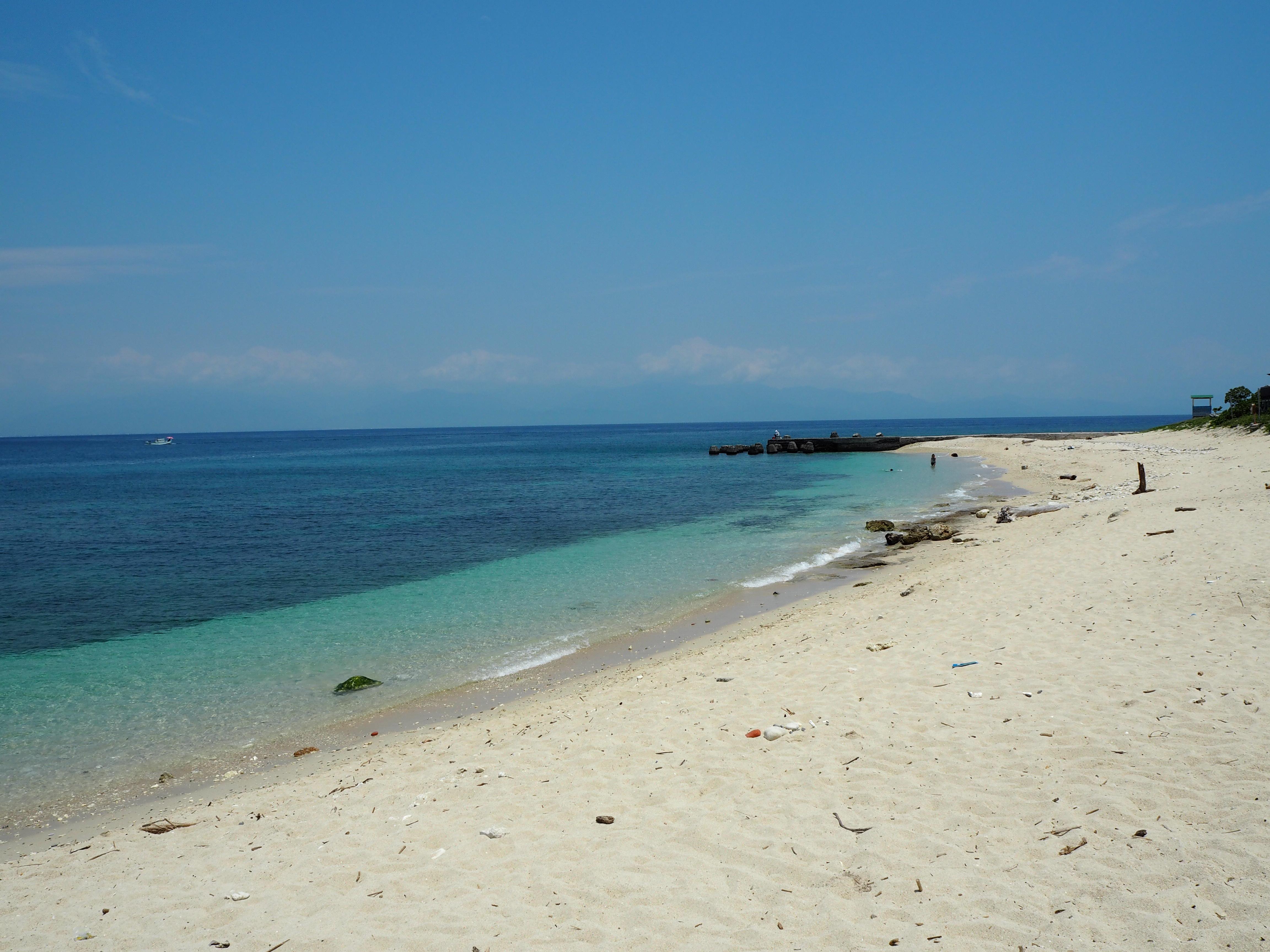 白沙漁港の南にあるビーチ