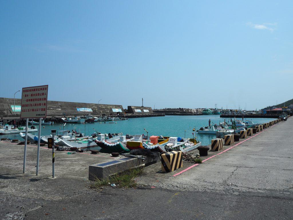 大福漁港。台湾本島からの公営の船が発着する港だ