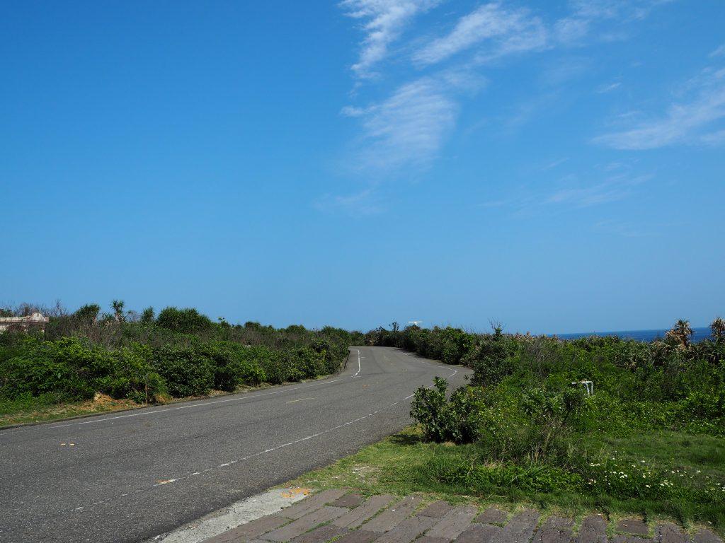 島の西端の道路