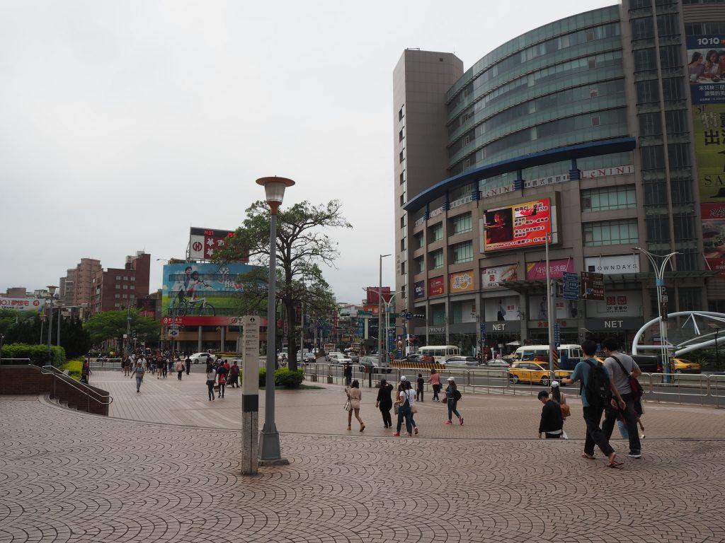 淡水駅前の風景