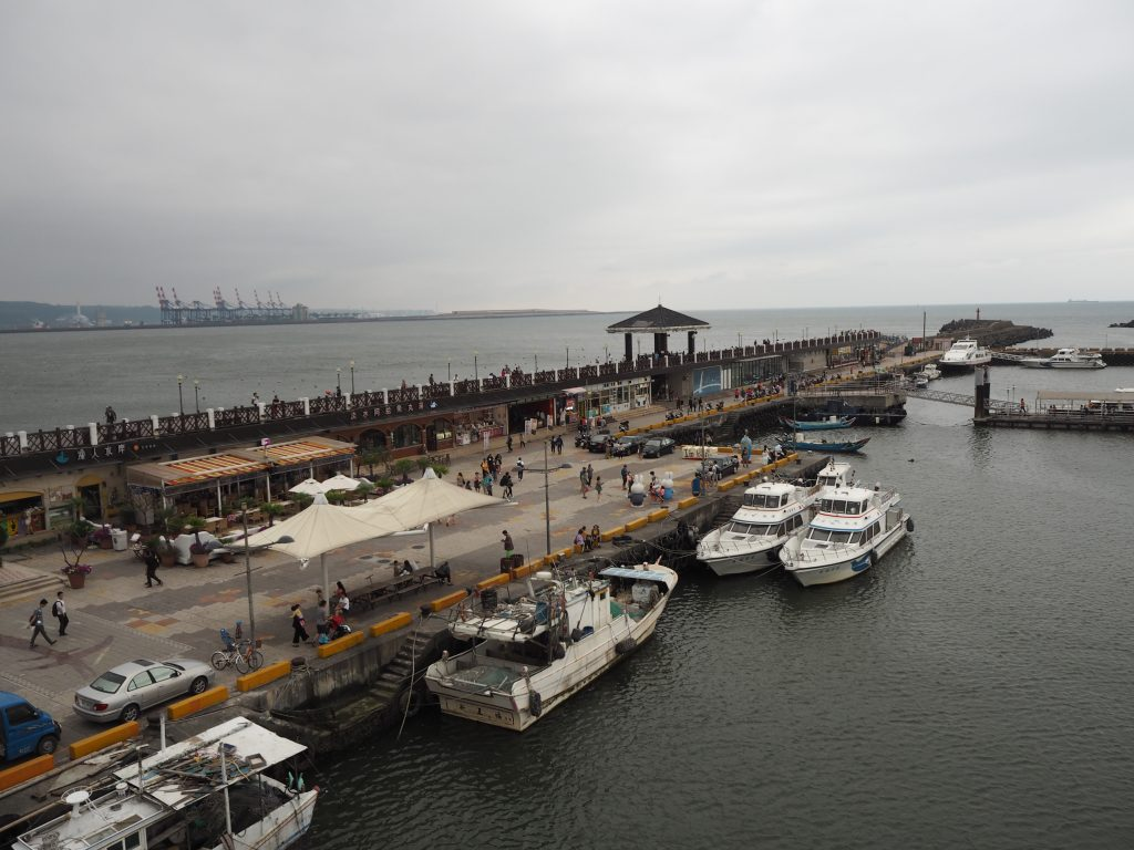 情人橋から漁人碼頭を望む