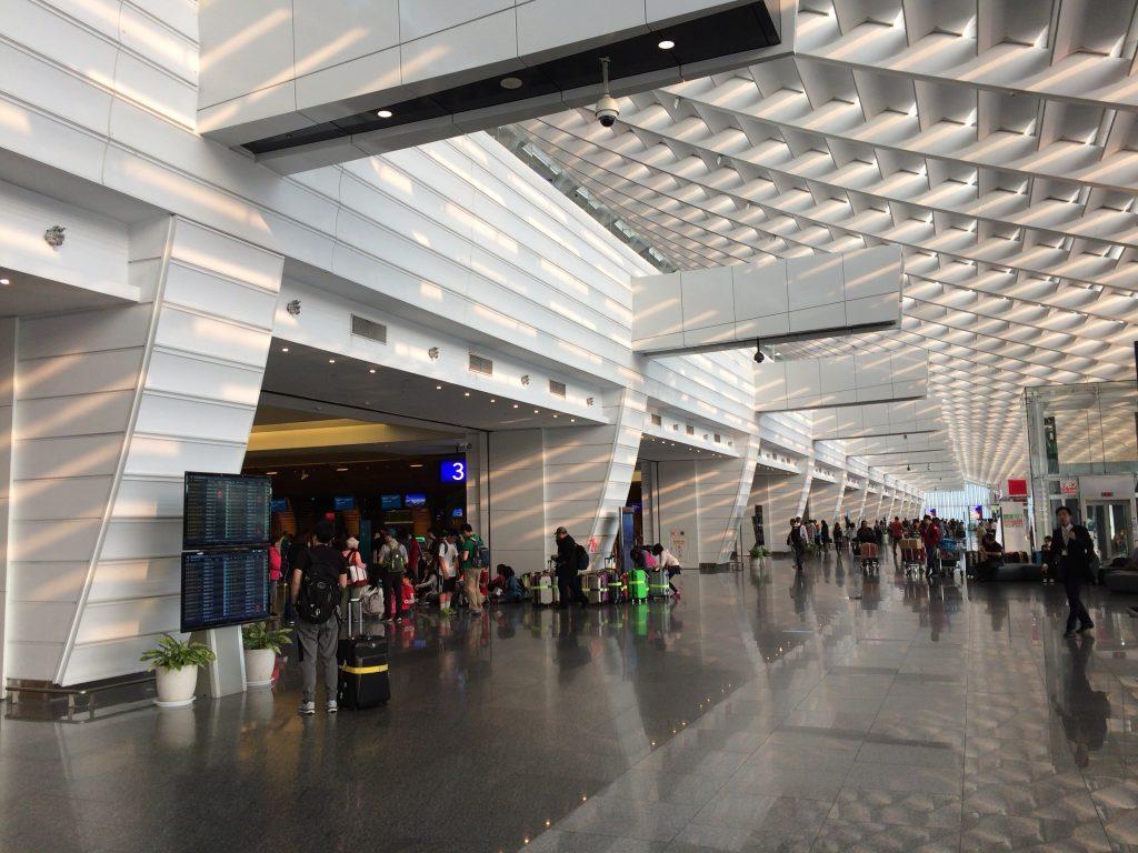 桃園国際空港。綺麗な空港である