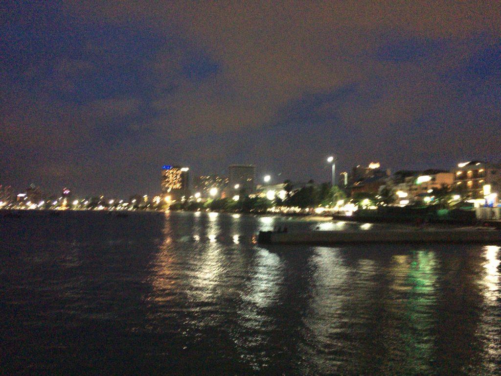 パタヤの夜景