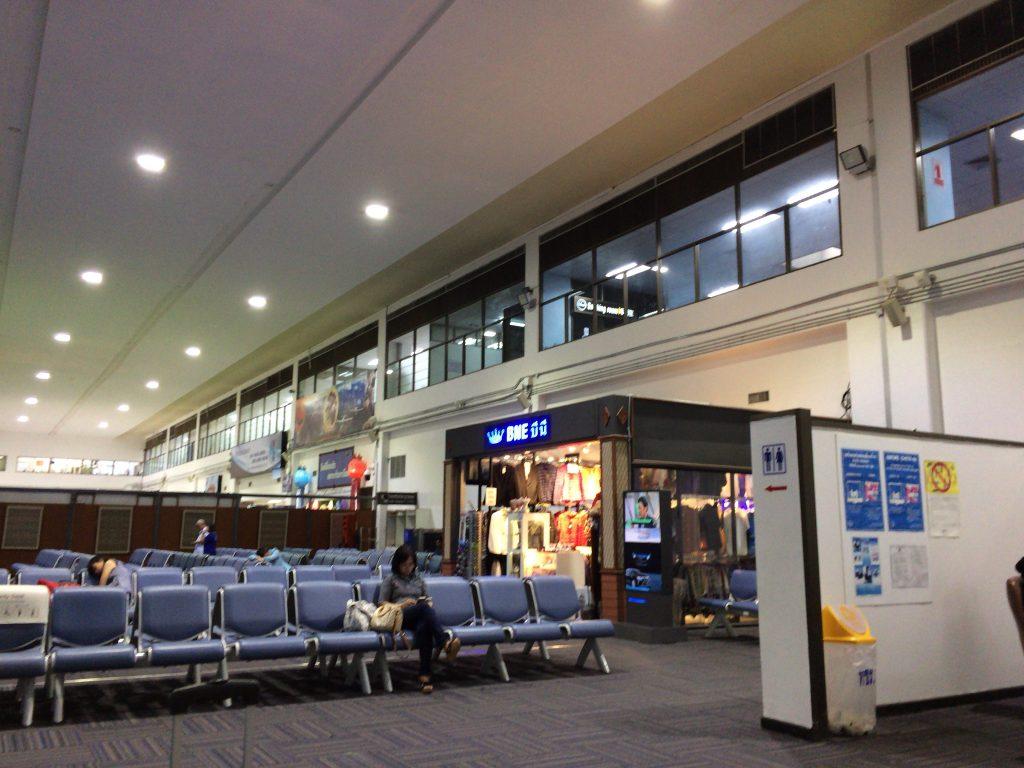 チェンライ空港の国内線出発ロビー