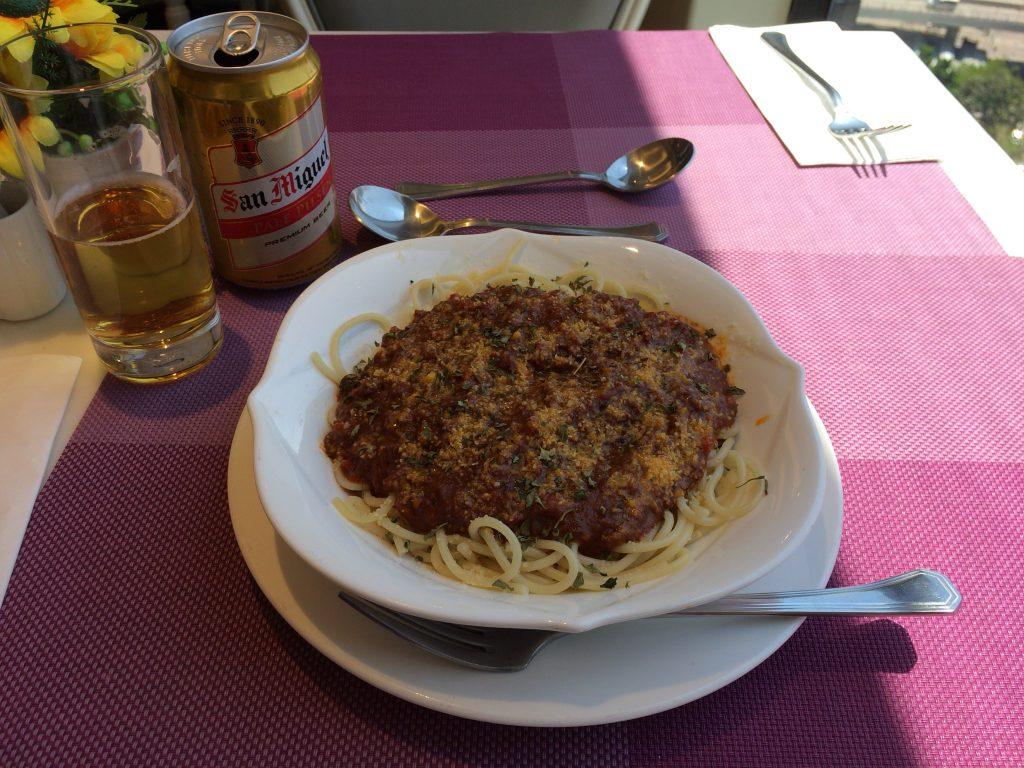 ランチのスパゲティボロネーゼ&サンミゲルビール