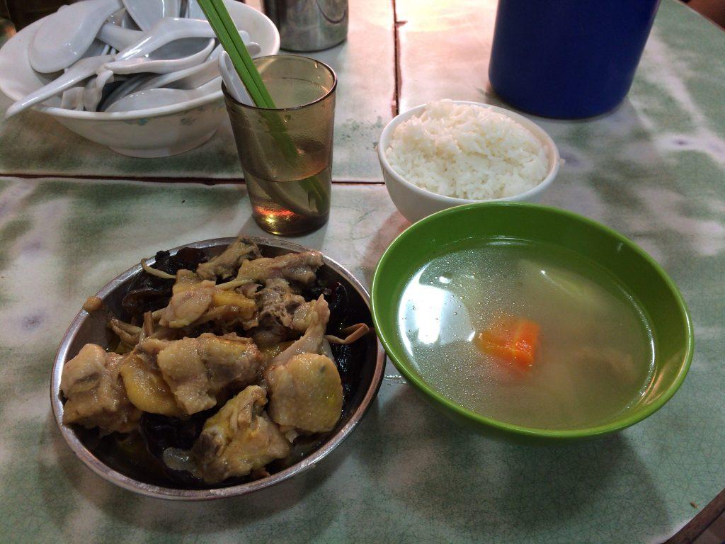 ランチセット(鶏肉料理)