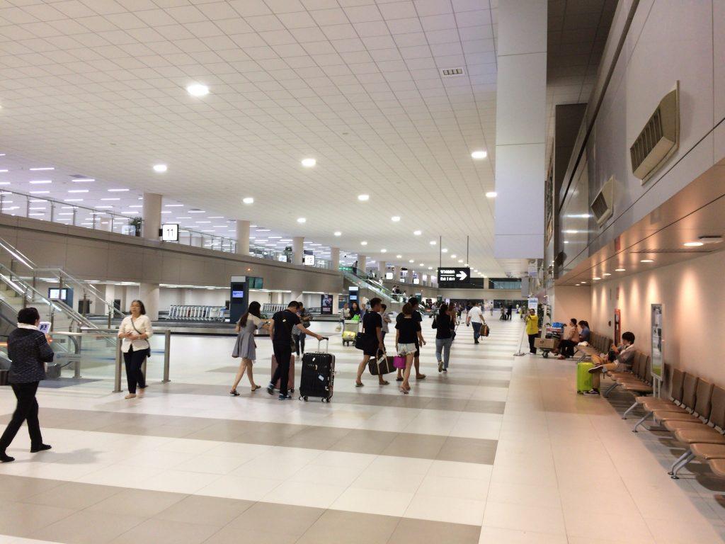 バンコクのドンムアン空港に到着