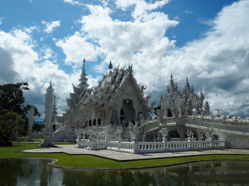 「ワット・ロンクン(Wat Rong Khun)」