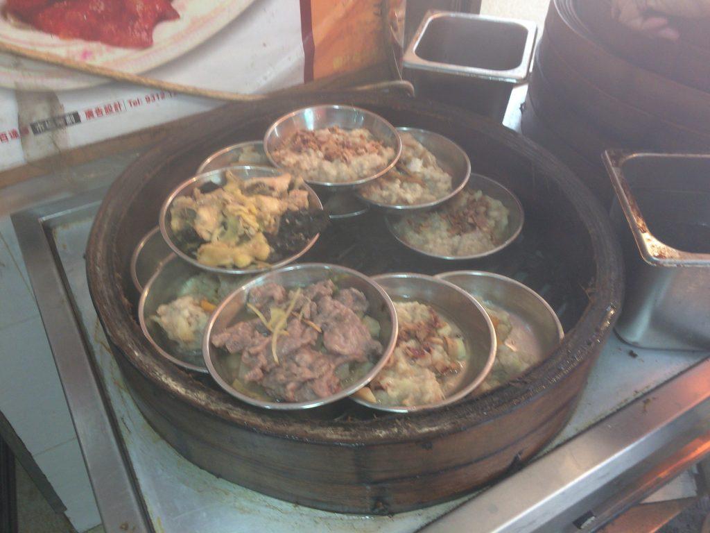 ランチセットの肉料理