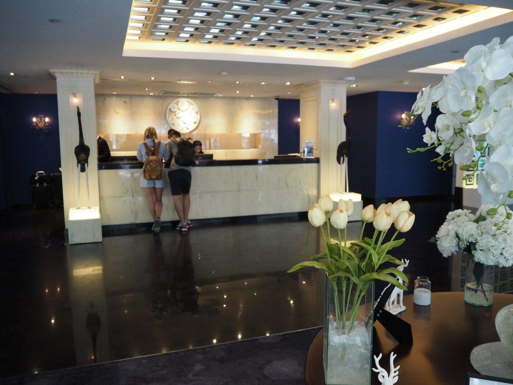 「ドリーム ホテル バンコク」フロント