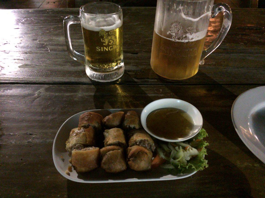 春巻きとシンハードラフトビール
