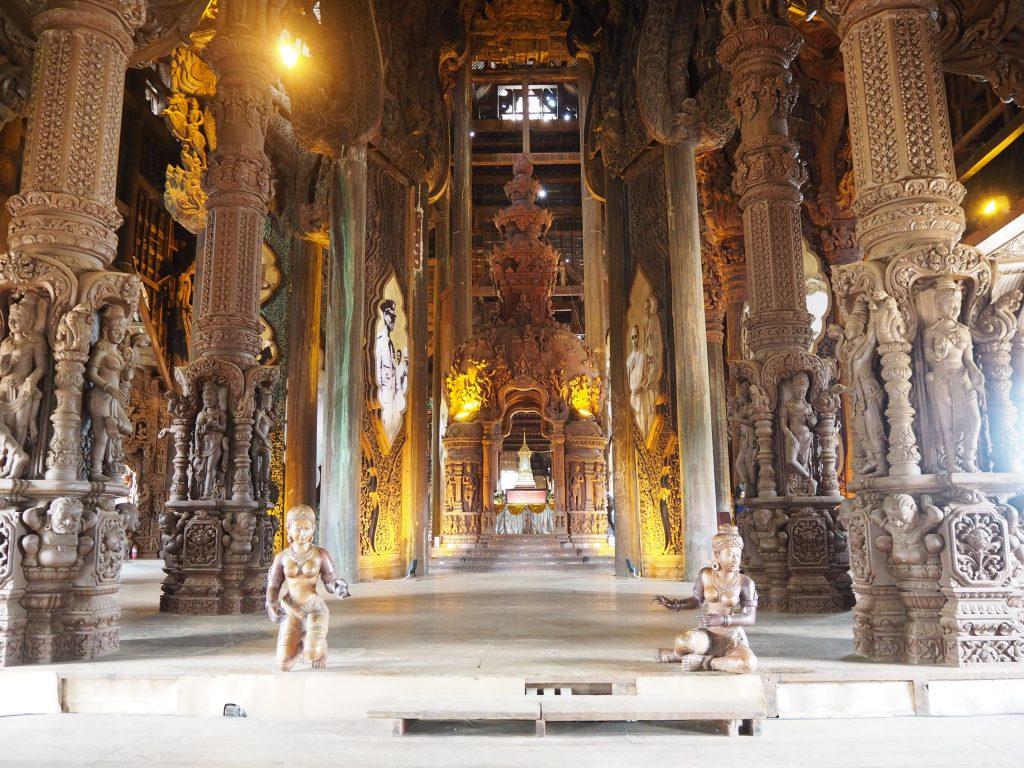 寺院中心部