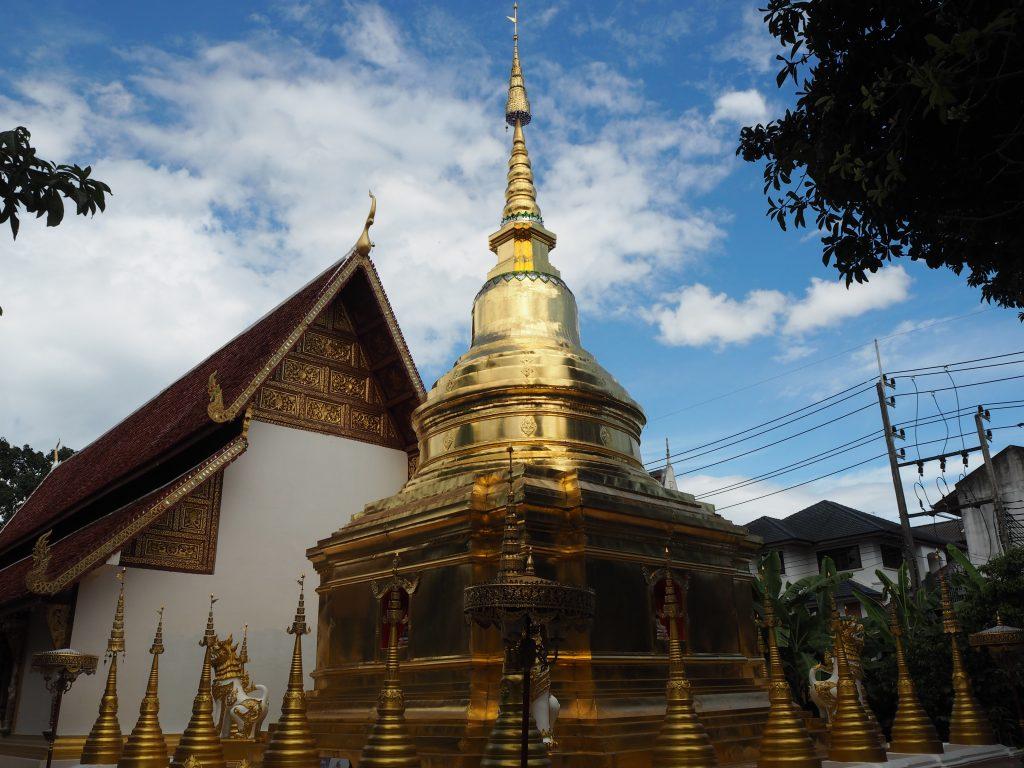 「ワット・プラシン」の仏塔