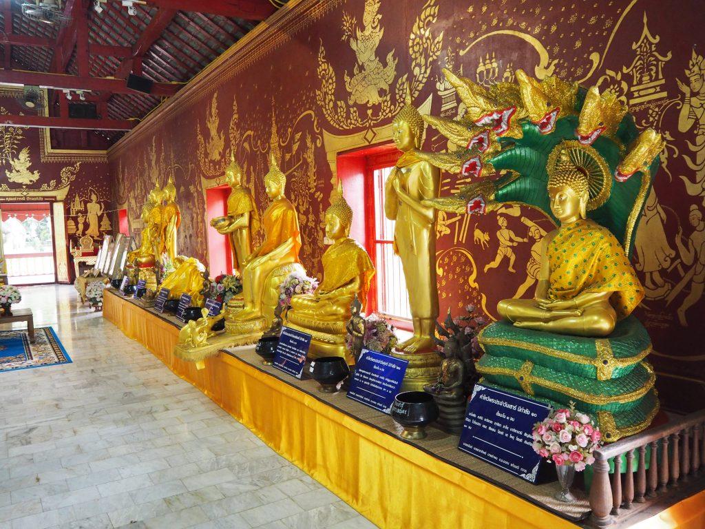 「ワット・チェン・マン」の仏像