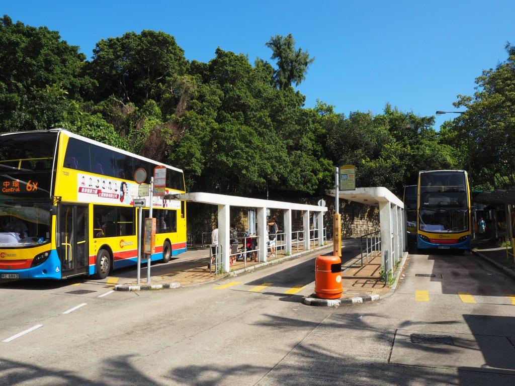 スタンレーのバス停