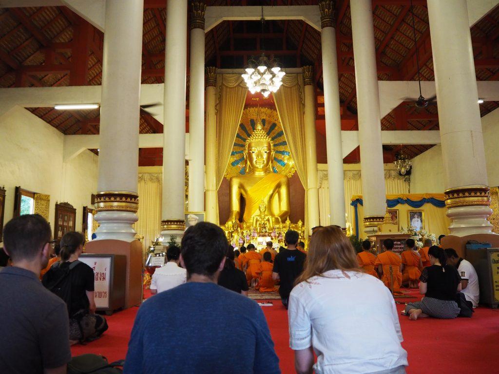 「ワット・プラシン」の仏像