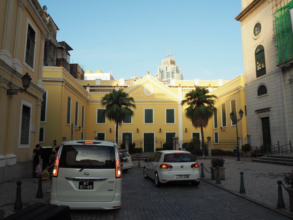 カテドラル(大堂)広場周辺の歴史的建造物