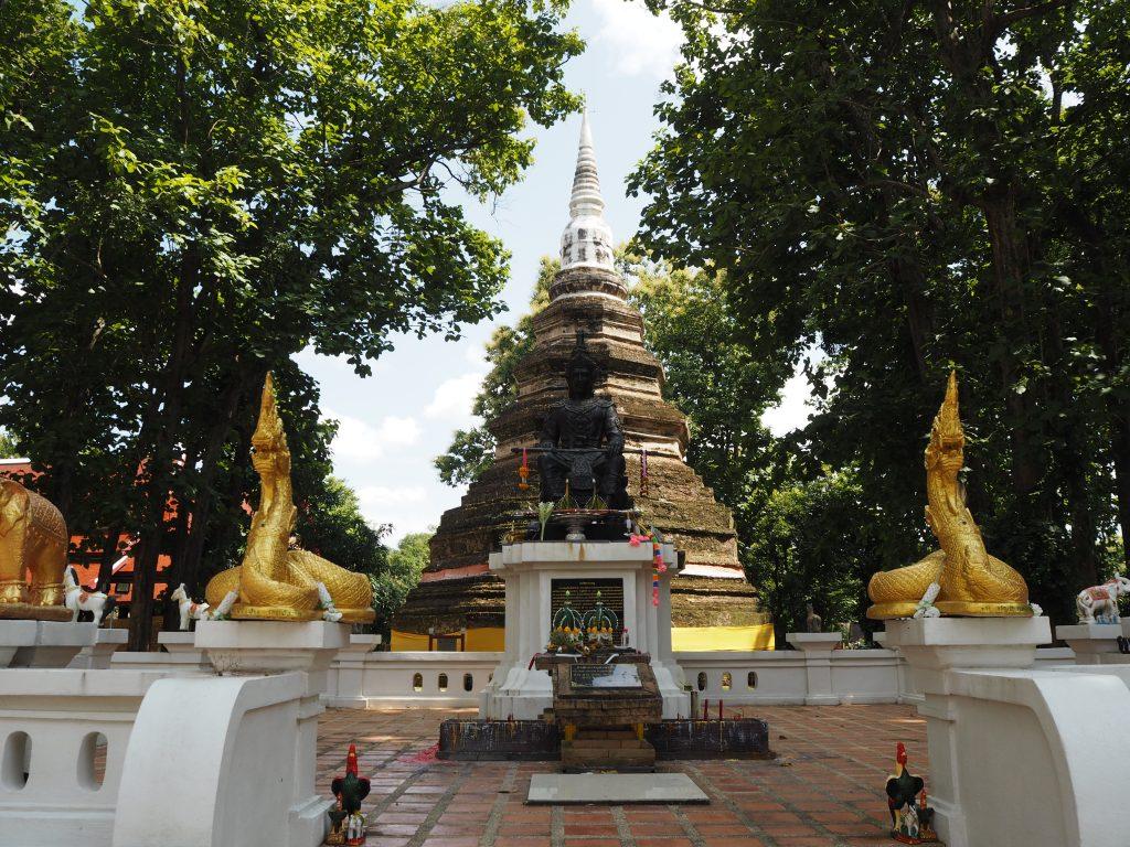 「ワット・チェディ・ルアン(Wat Chedi Luang)」の仏塔