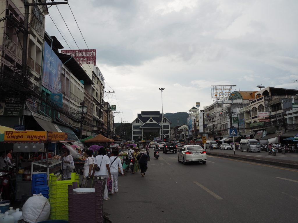 パホンヨーティン通り(Phahonyothin Road)
