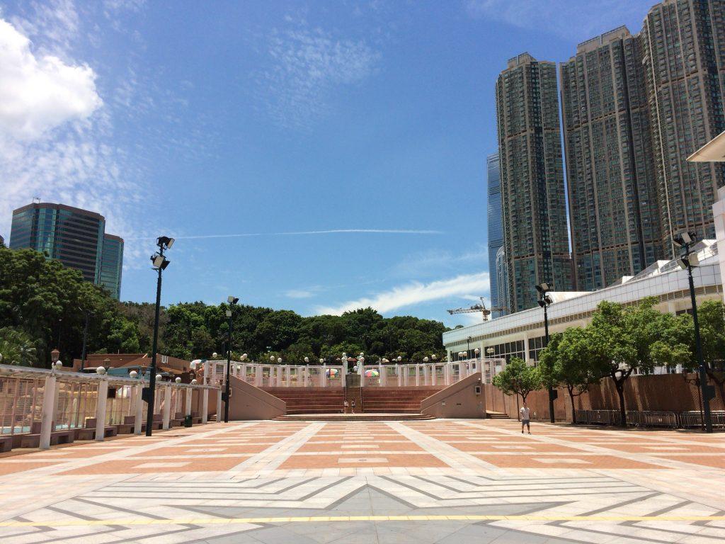 都会のど真ん中にある九龍公園