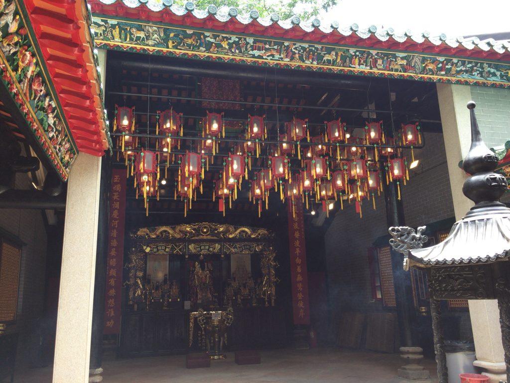 城隍廟の中