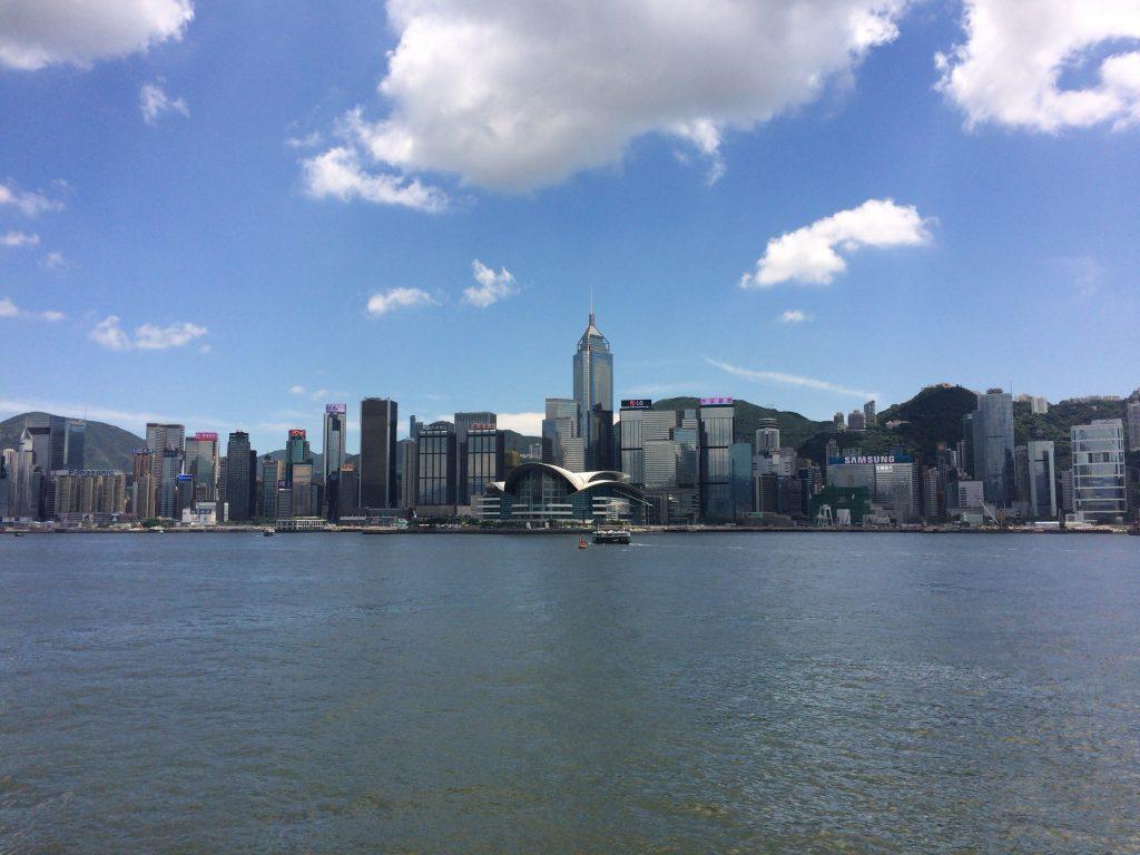 尖沙咀プロムナードから見る景色(香港島)