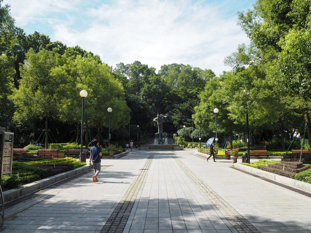 カモンエス広場(Camões Square)